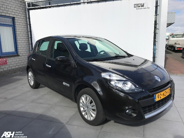 Auto Service Harlingen - Renault Clio 1.2 Collection - Airco - PDC - verkocht